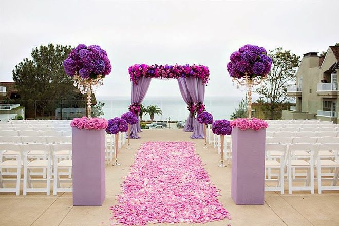 wedding-ideas-vibrant-orchid-pantone-2014-color-of-the-year-5